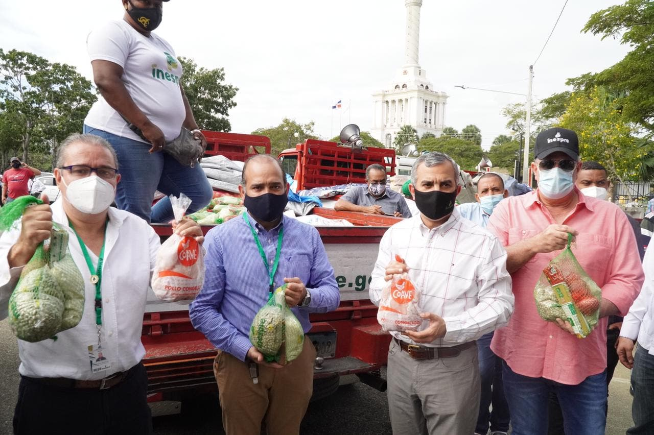 Inespre extiende venta de pollos a 125 pesos a Moca y Santiago