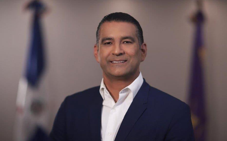 """Denuncian excandidato a alcalde Luis Alberto Tejeda """"está minando"""" al país de bancas loterías sin respetar el límite de distancia"""