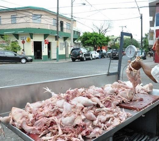 Gobierno anuncia nuevos precios del pollo