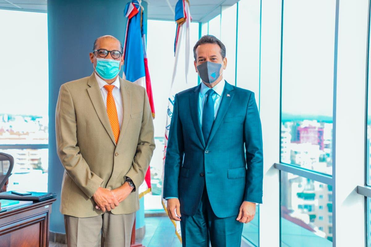 Lo que hace Ito Bisonó para colocar productos y servicios dominicanos en el exterior