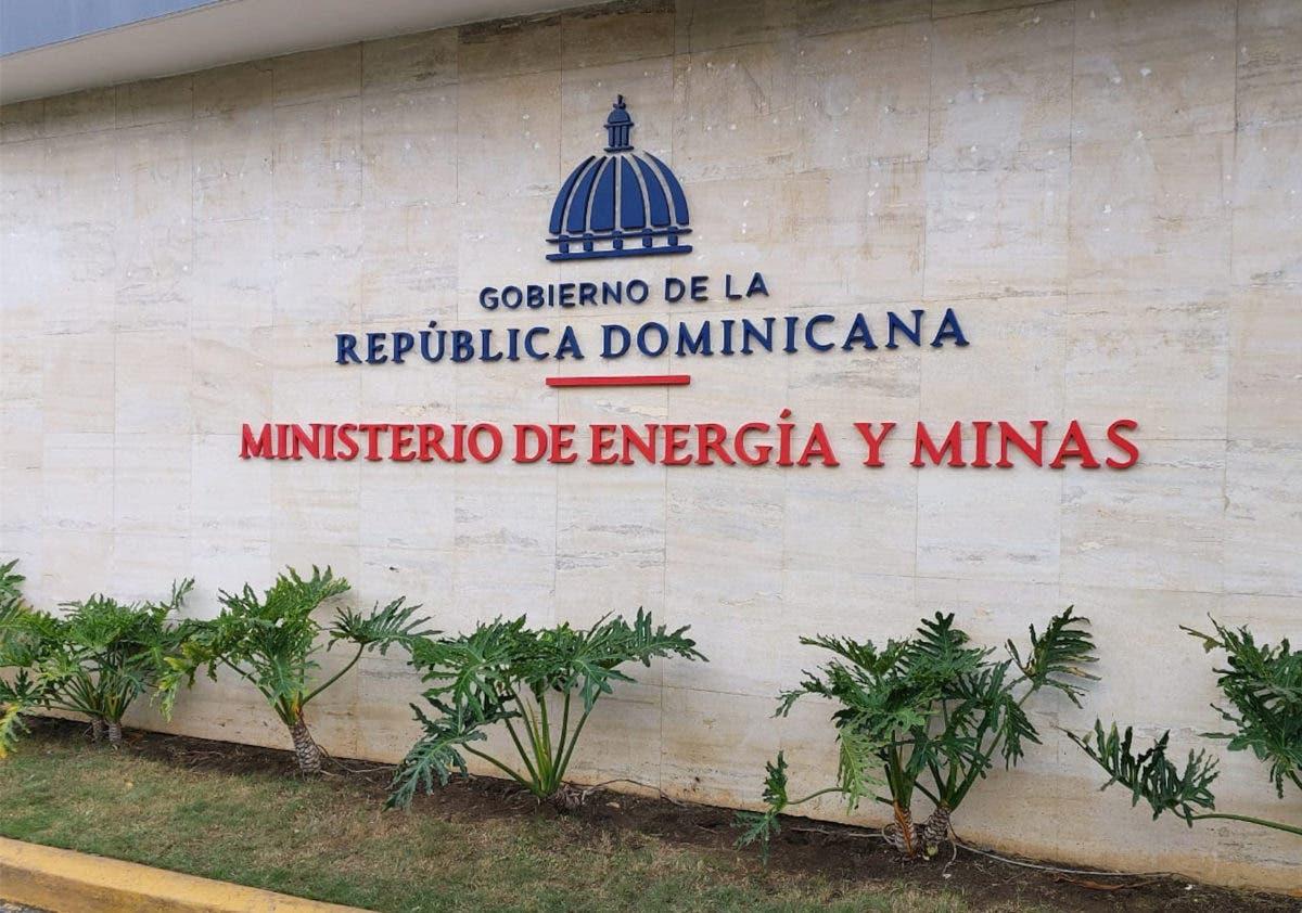 Energía y Minas desmiente contrate firmas Stanley Consultants y Phelps-Manatt
