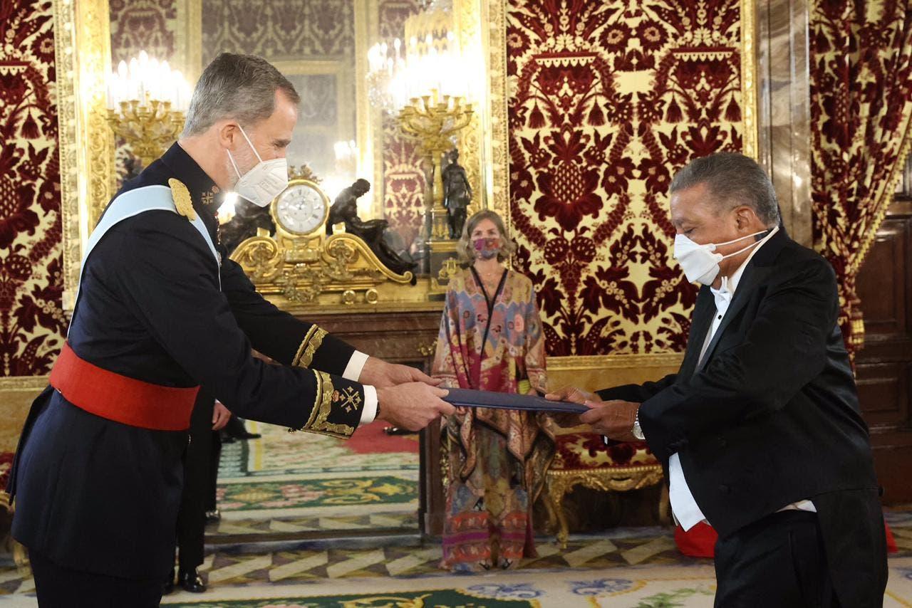 El embajador Juan Bolívar Díaz entregó Cartas Credenciales al Rey de España
