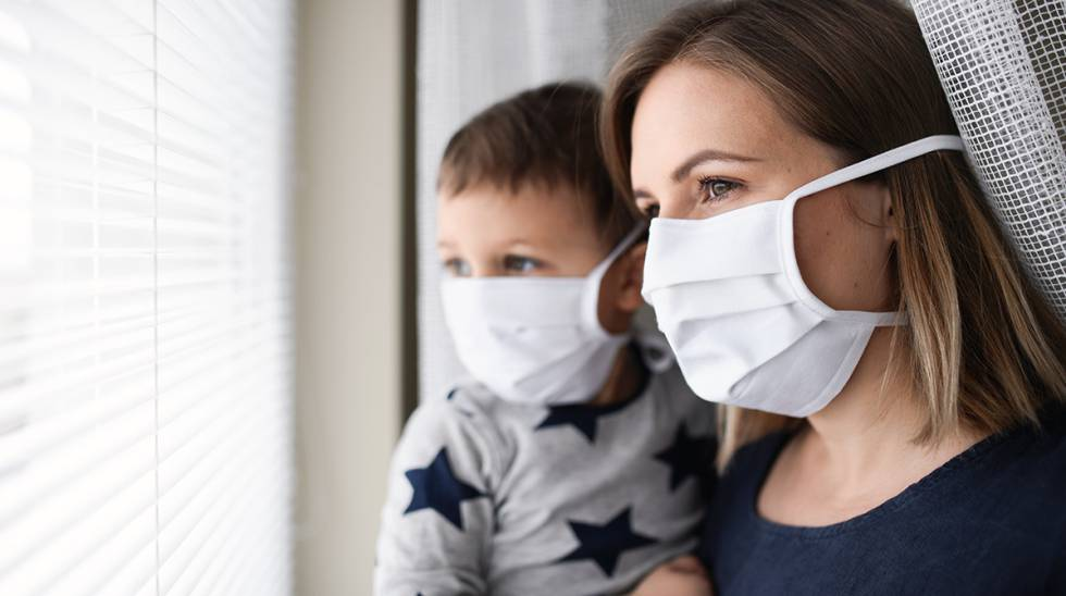 ¿El uso de mascarillas en niños les provoca daños cerebrales?