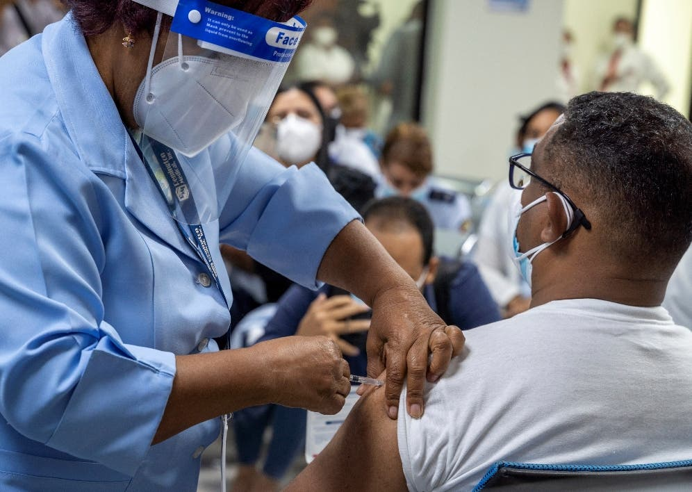 ¿Cómo sabemos si las vacunas contra el COVID-19 son seguras?