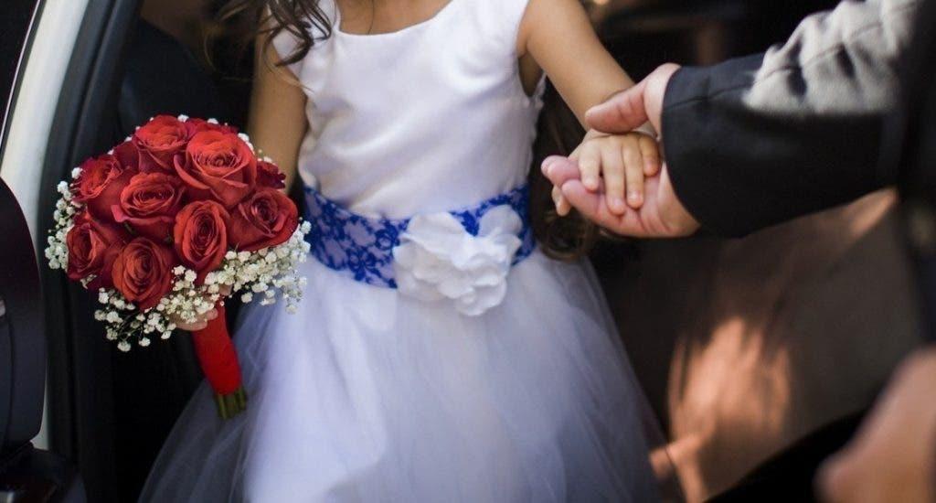 Víctimas de matrimonio infantil de República Dominicana enseñan a niñas a esperar