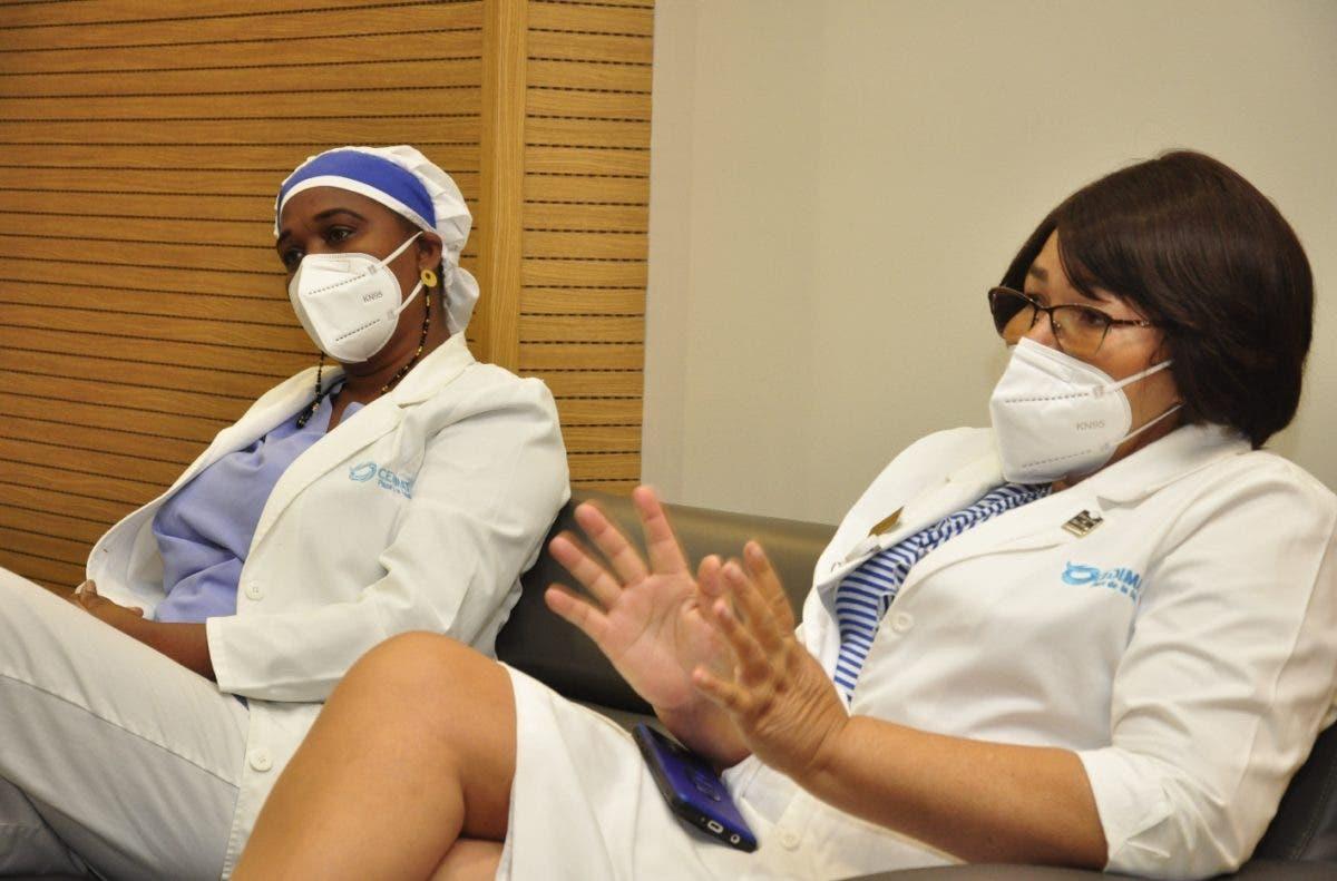 Enfermeras luchan para arrancar vidas de garras de covid
