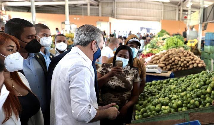 Abinader dice alza precios  productos canasta familiar se debe a pandemia