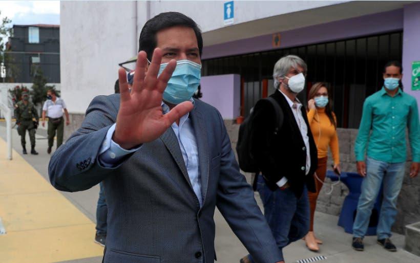 Candidato correísta gana comicios en Ecuador, pero necesitará segunda vuelta