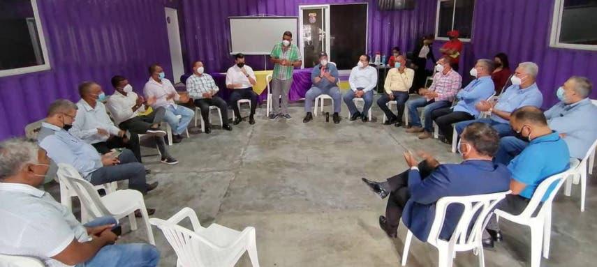 Charlie Mariotti recibe respaldo de dirigentes del PLD en La Altagracia