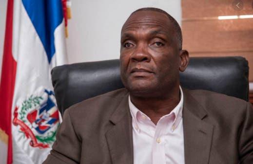 Alcalde de Los Alcarrizos admite  dos de sus hijos cobran en nómina