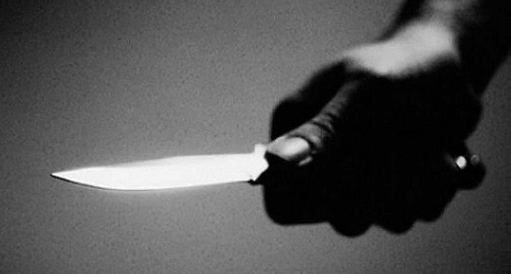 Fue a la casa como albañil, pero tomó un cuchillo y con amenazas abusó de mujer
