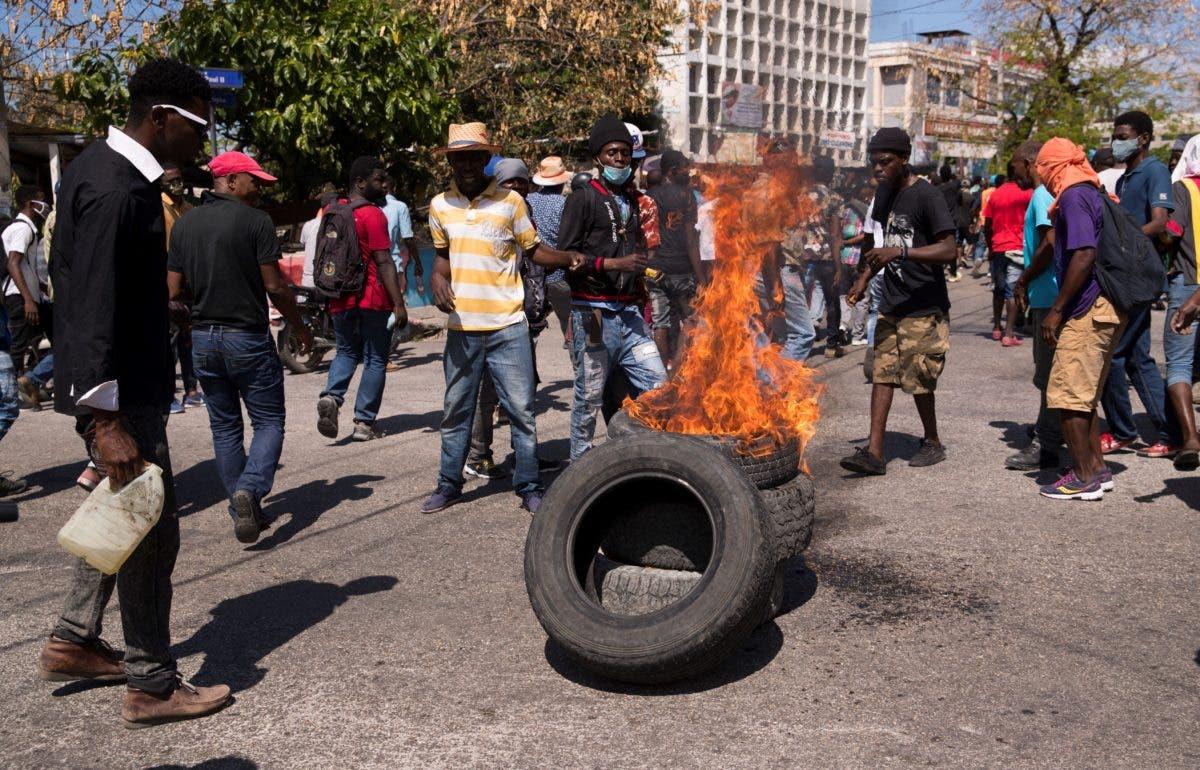 Haití: Un tercer periodista resulta herido en manifestación