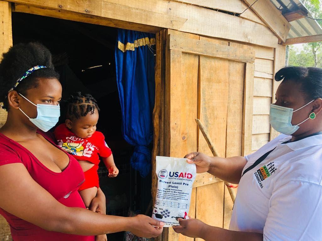 Proyecto con fondos de USAID benefician 20 mil familias y 12 mil con VIH