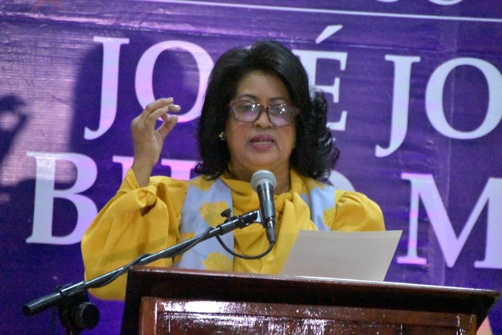 Debate de ideas fortalece al PLD, según Cristina Lizardo