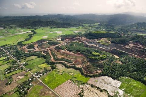 Deposita amparo preventivo para impedir explotación de Loma Miranda