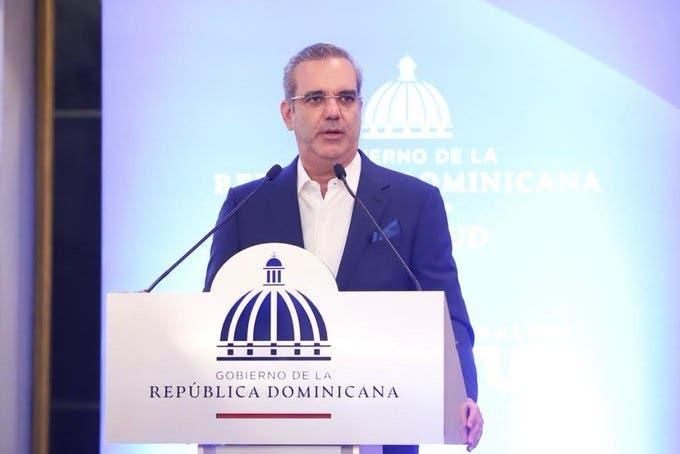 Vacunas llegarán en la próxima semana, dice presidente Abinader
