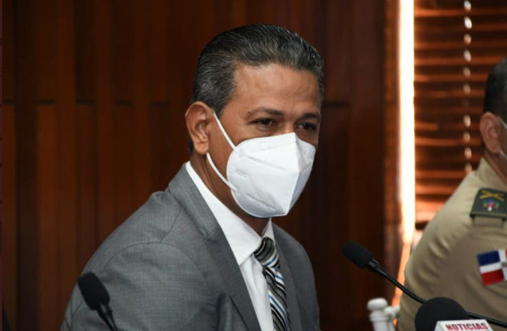 Director Gabinete del Ministerio de Salud anuncia su salida del cargo