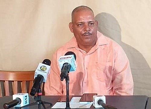 "Transportistas califican de ""contradictorio e imprudente"" a Juan Hubieres"