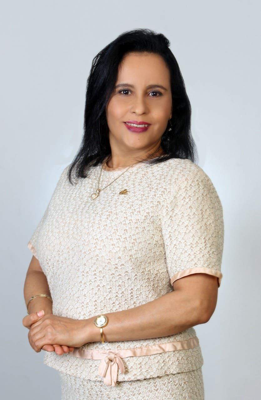 """Aspirante a Defensora del Pueblo critica ciudades sean """"hostiles"""" a discapacitados y aboga por """"un país de justicia social"""""""