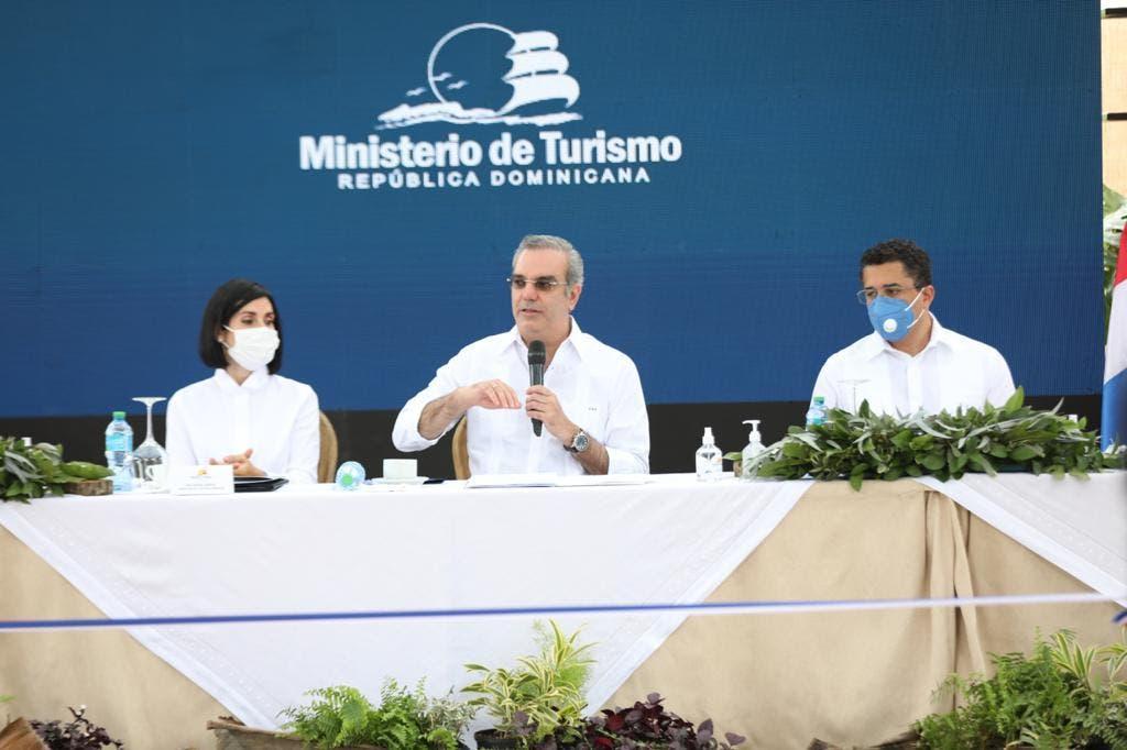 Fotos. Abinader: se han recuperado más de 100 mil empleos en sector Turismo