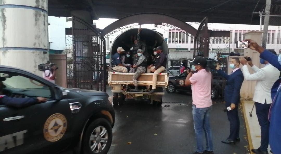 Culmina allanamiento a Cámara de Cuentas; extraen dos camiones de documentos