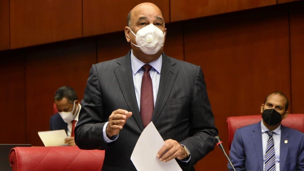 Senador Bautista Rojas solicitará a la vicepresidenta culminar Plan de Vacunación antes de septiembre