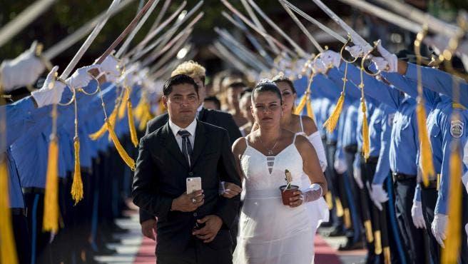 Nicaragua: 400 parejas se casan por lo civil en boda masiva