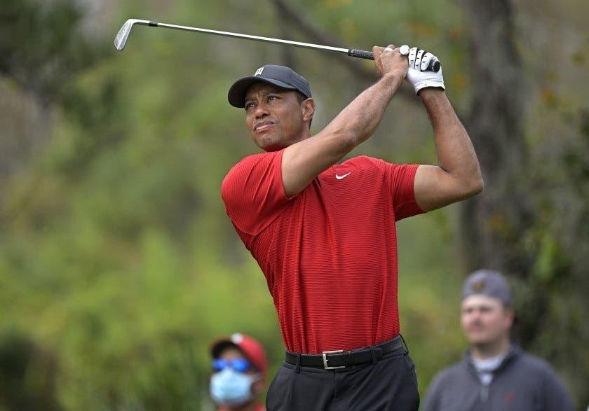 Tiger Woods, transferido a otro hospital tras cirugía