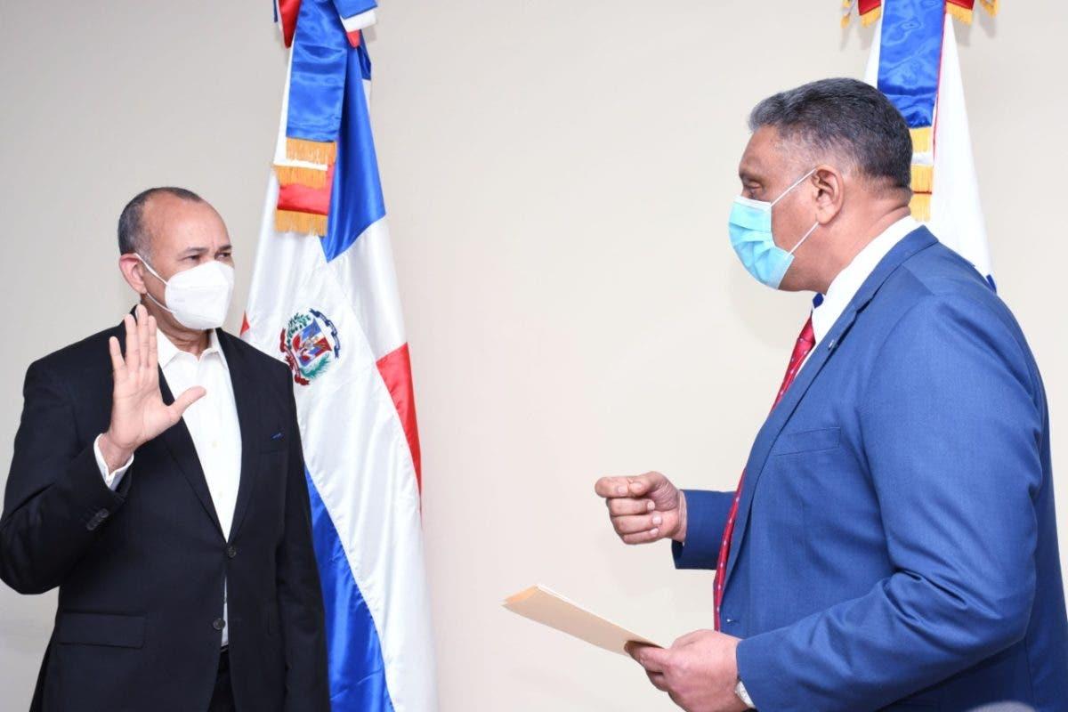 Interior y Policía juramenta viceministro de Armas y director del COBA