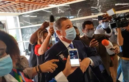 Donald Guerrero a su llegada a la Procuraduría: «Estoy aquí porque un amigo me dijo»