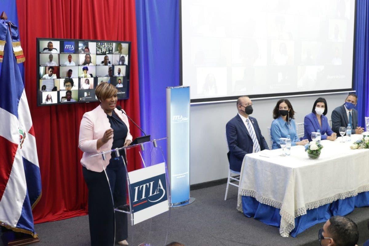 Ministerio de la Juventud gradúa 1325 jóvenes del Programa Puntos Tecnológicos