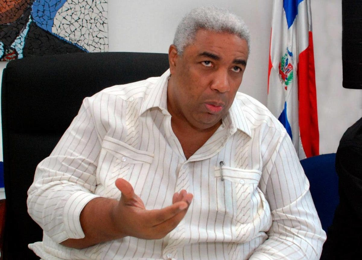 «¡Quede bien al pueblo que lo eligió y no a la oligarquía!», pide Peña Guaba al presidente Luis Abinader