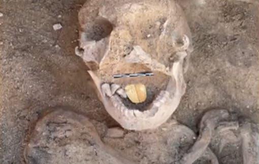 Arqueóloga dominicana revela nuevos detalles sobre momias con lengua de oro halladas en Egipto