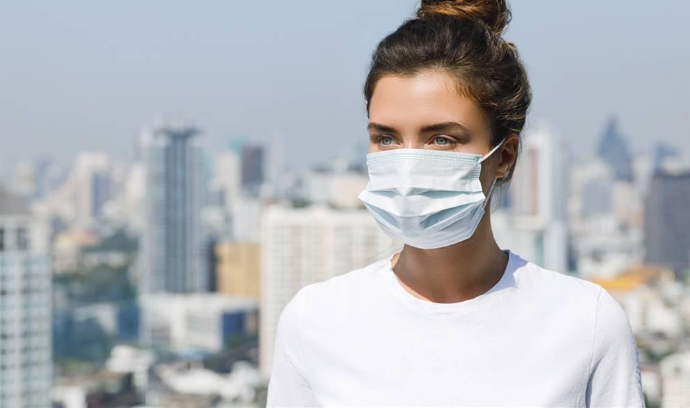 El uso de mascarilla por COVIDd-19 causa acné en la cara del 70 % de las mujeres