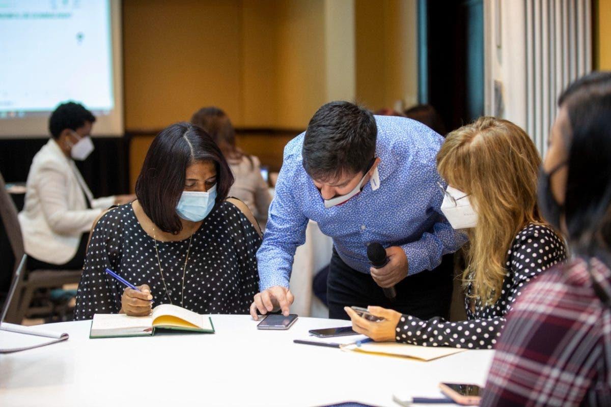 Con el apoyo de UNICEF, Inaipi realiza taller sobre estrategias de acompañamiento a las familias