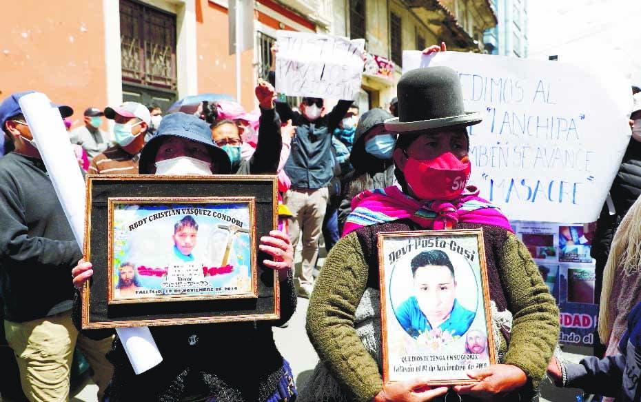 Tensión en Bolivia tras marcha en apoyo a expresidenta interina Jeanine Áñez