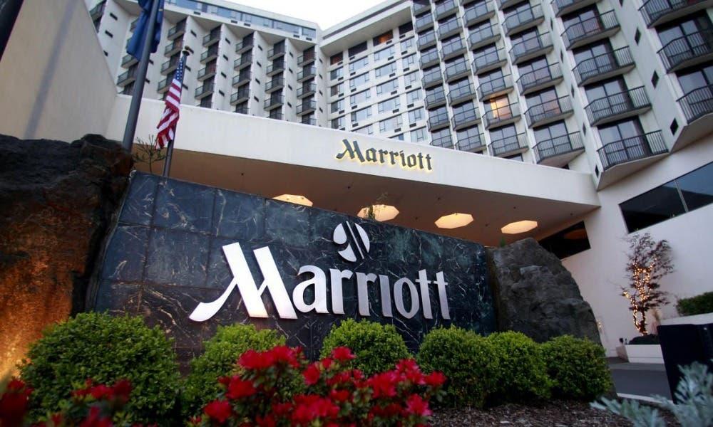 Marriott pagará a sus empleados para que se vacunen de la covid