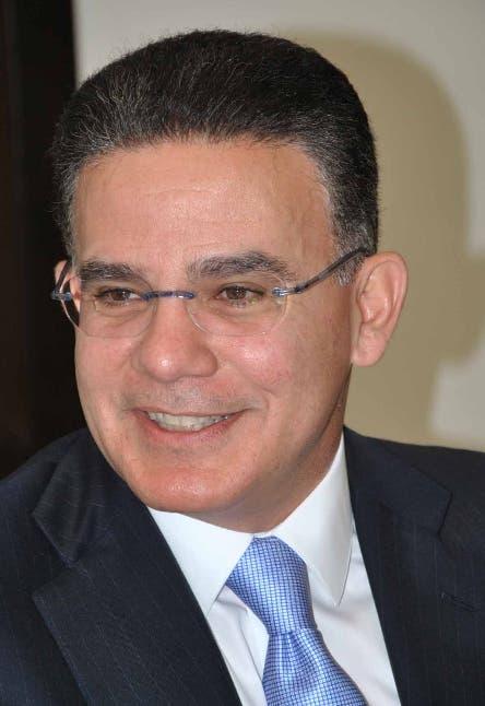 Pedro Brache: «Cuando se aumentan los salarios, se convierten en consumos, en ahorros y eso reactiva la economía»