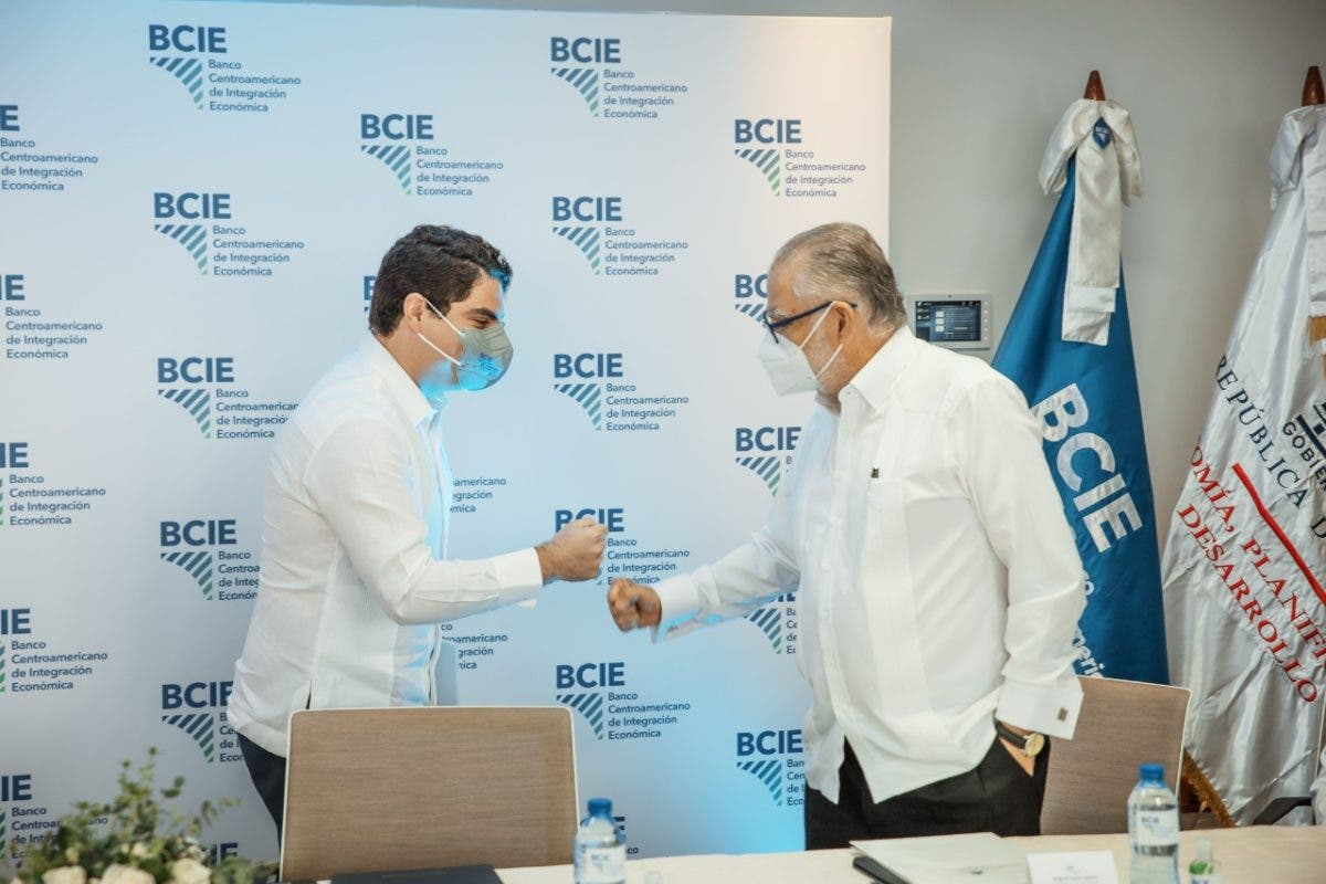 Gobierno firma acuerdo de cooperación no reembolsable con BCIE