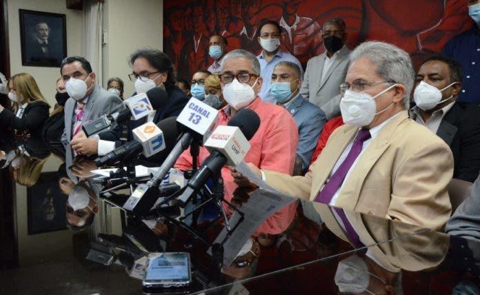 Colegio Médico Dominicano amenaza con paro de todas las ARS por 48 horas
