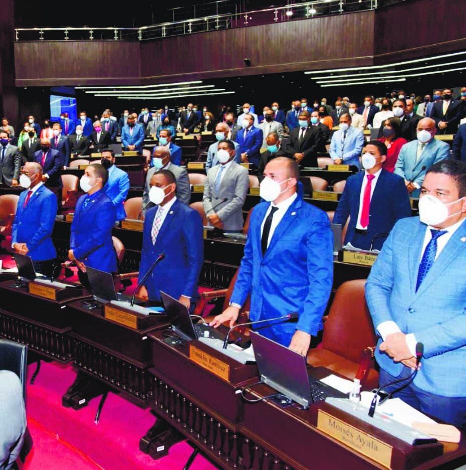 Diputados reciben 56 millones de pesos por el «Día de las Madres»