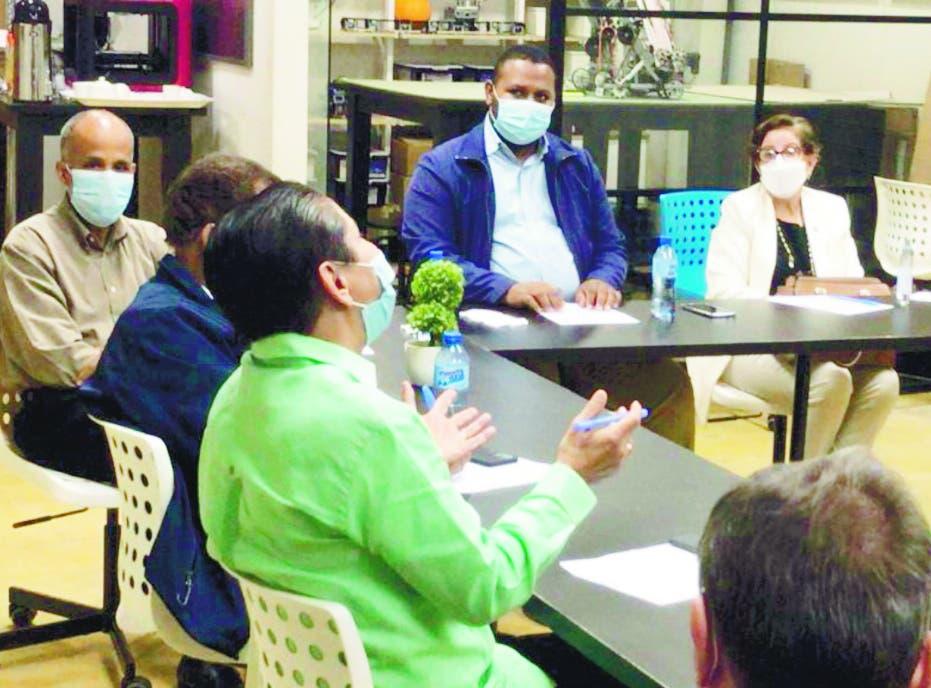 Gobernadora Hermanas Mirabal dice compromiso es con el desarrollo