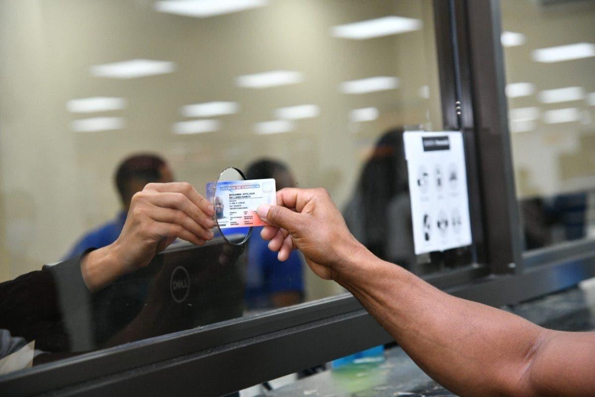 INTRANT informa horario servicios de licencias Semana Santa