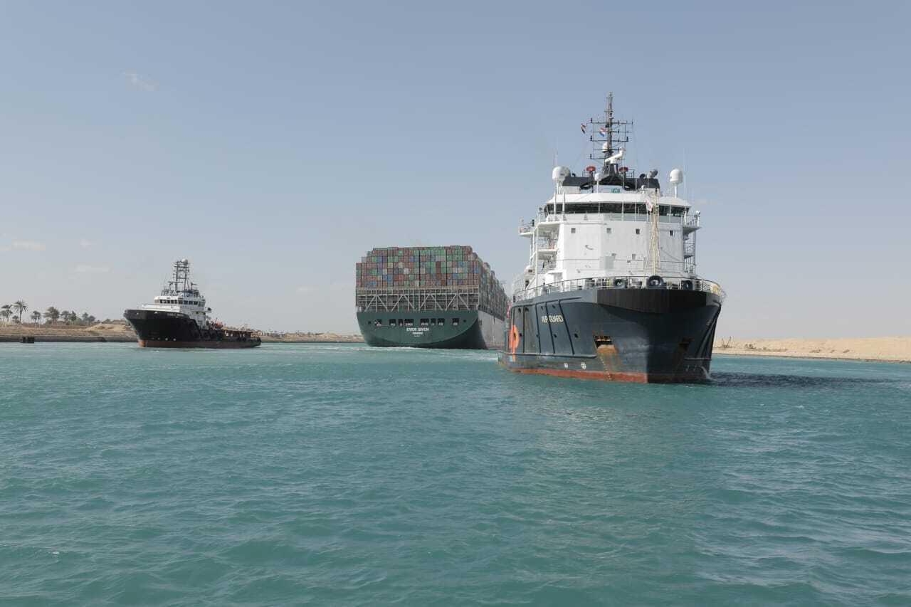 """VIDEO: Desbloqueado el Canal de Suez tras ser reflotado el """"Ever Given»"""