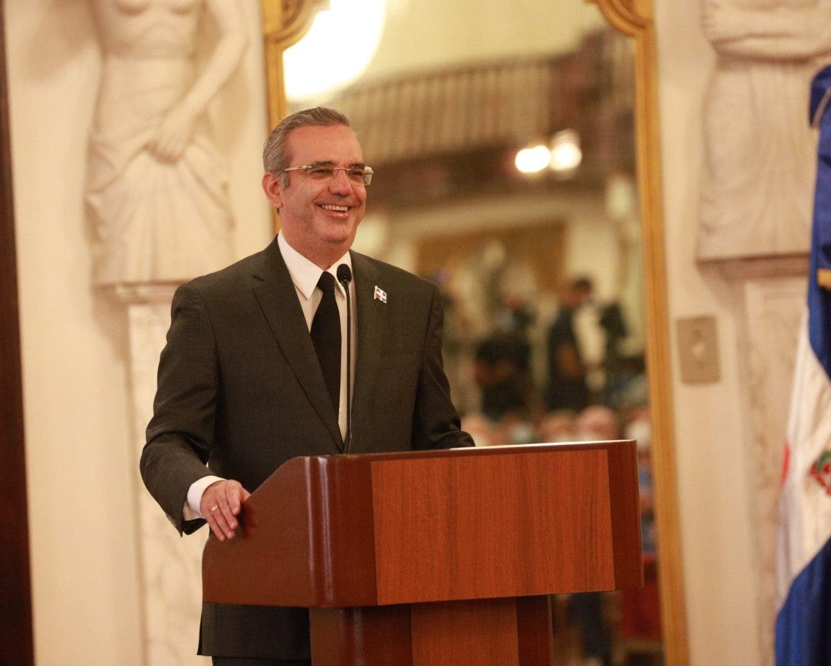 Presidente Abinader resalta la recuperación del turismo