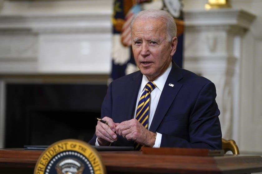 Demócratas piden explicaciones a Biden por la caótica retirada de Afganistán