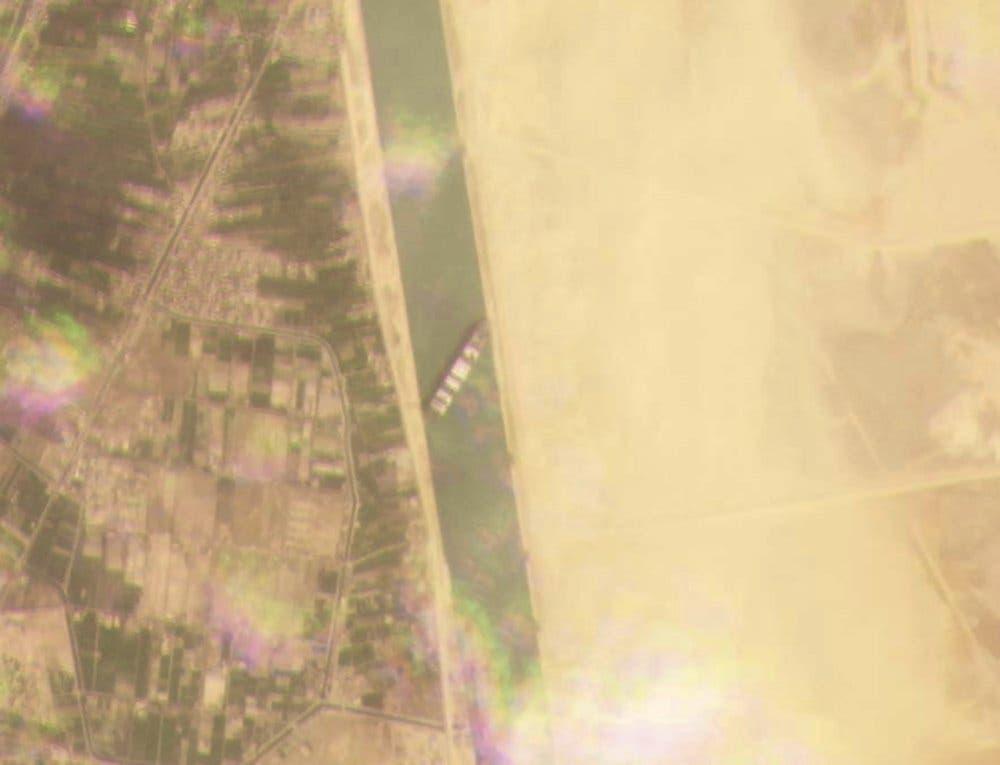 Egipto espera indemnización de más de 1.000 millones de dólares por bloqueo en el Canal de Suez