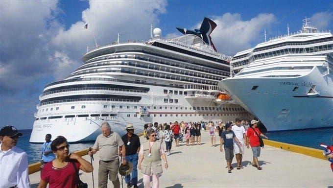 Turismo dominicano ve signos de recuperación un año después del cierre total