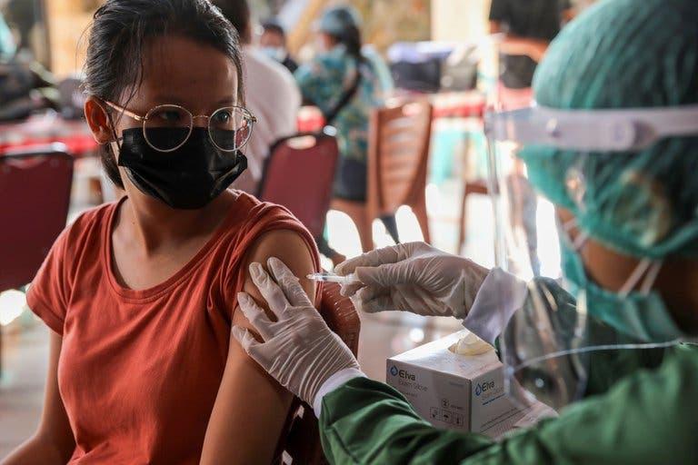 Argentina recibirá 4,6 millones de vacunas de Oxford/AstraZeneca en las próximas semanas