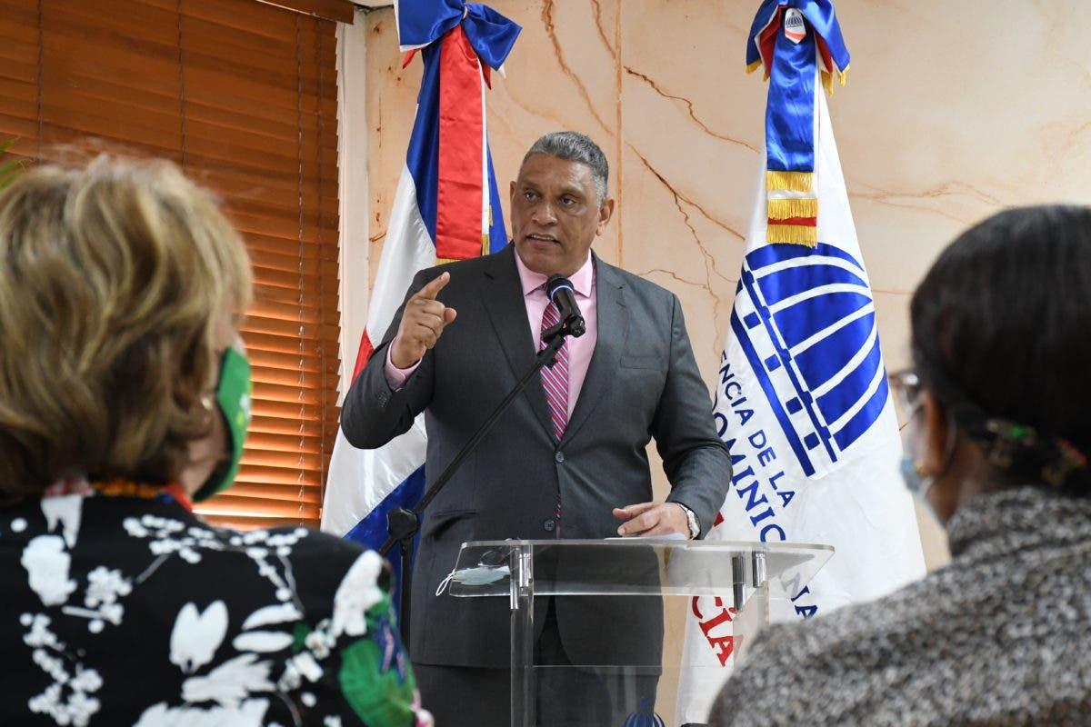 Ministro de Interior resalta aportes y rol de la mujer en las labores productivas y desarrollo